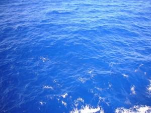 So blau ist das Meer mitten im Pazifik!