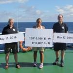 Holger Winkler, Kim Arndt und Thomas Badewien auf FS SONNE während der Äquator-Station.