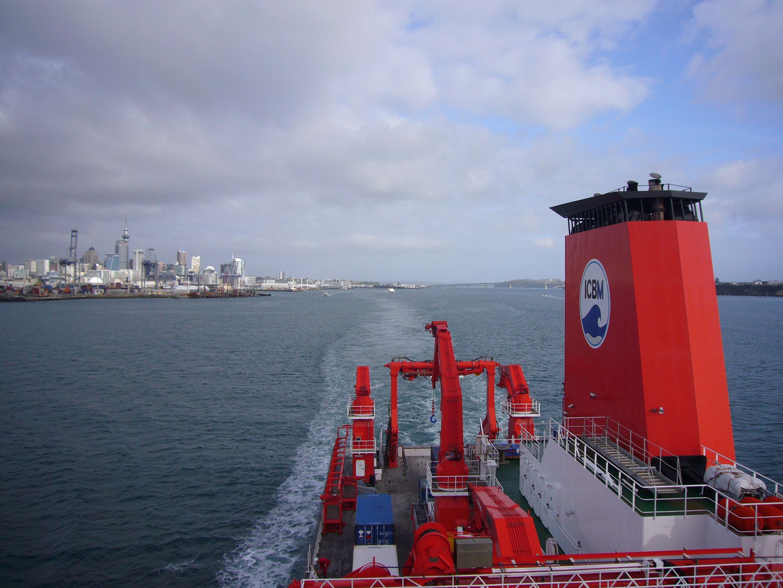 Das Forschungsschiff SONNE verlässt Auckland in Neuseeland mit Ziel Dutch Harbor in Alaska.